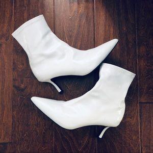 *reposh* Senso white booties